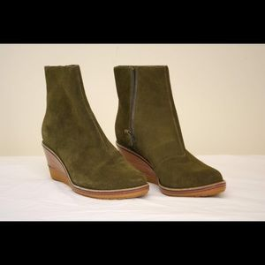 NEW Cole Haan Olive Green Waterproof Wedge Boots